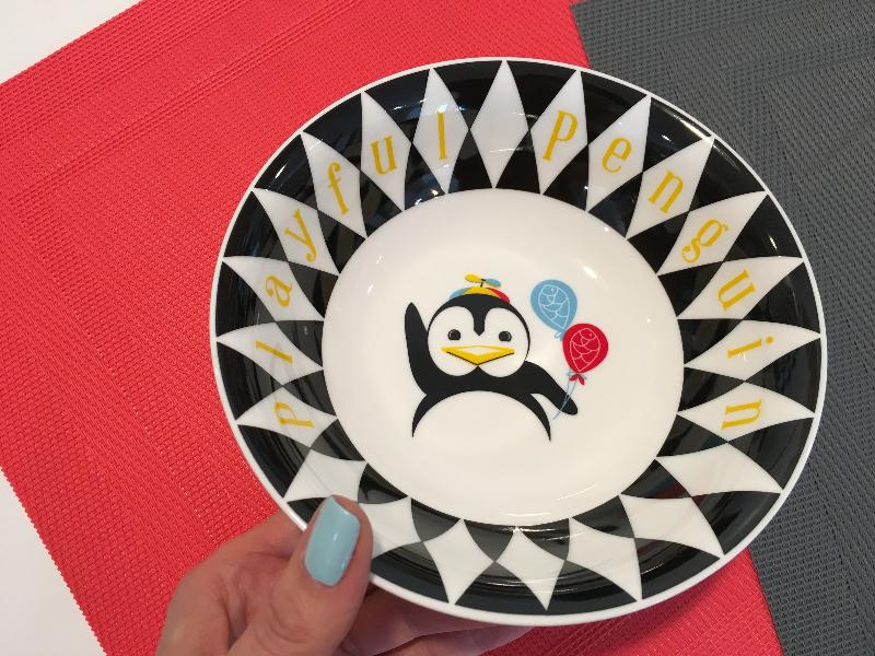 ... Miseczka dla dziecka bezpieczna & Porcelain children dinnerware set Pop penguin - 4 elements Silly Design